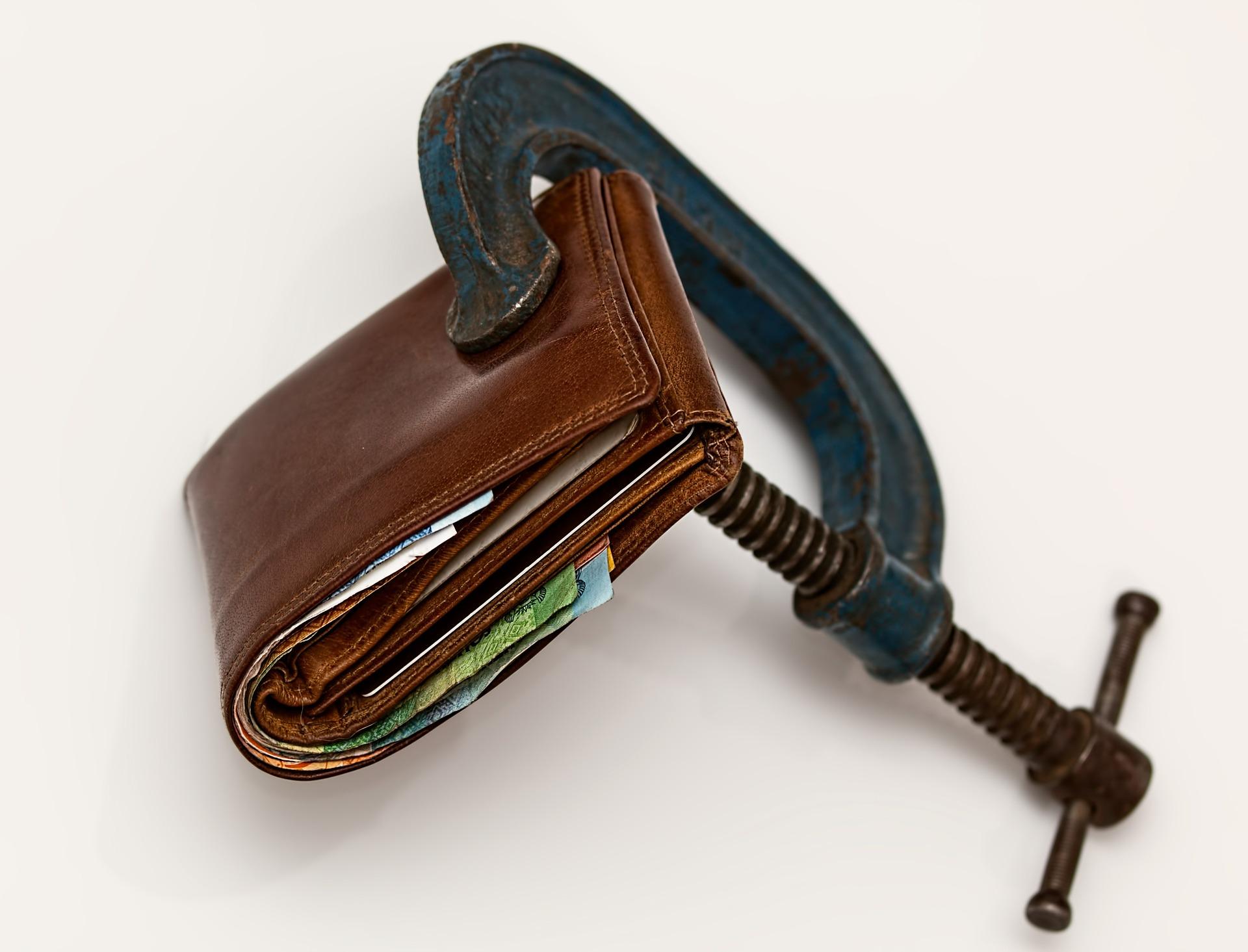 Wallet squeeze image: