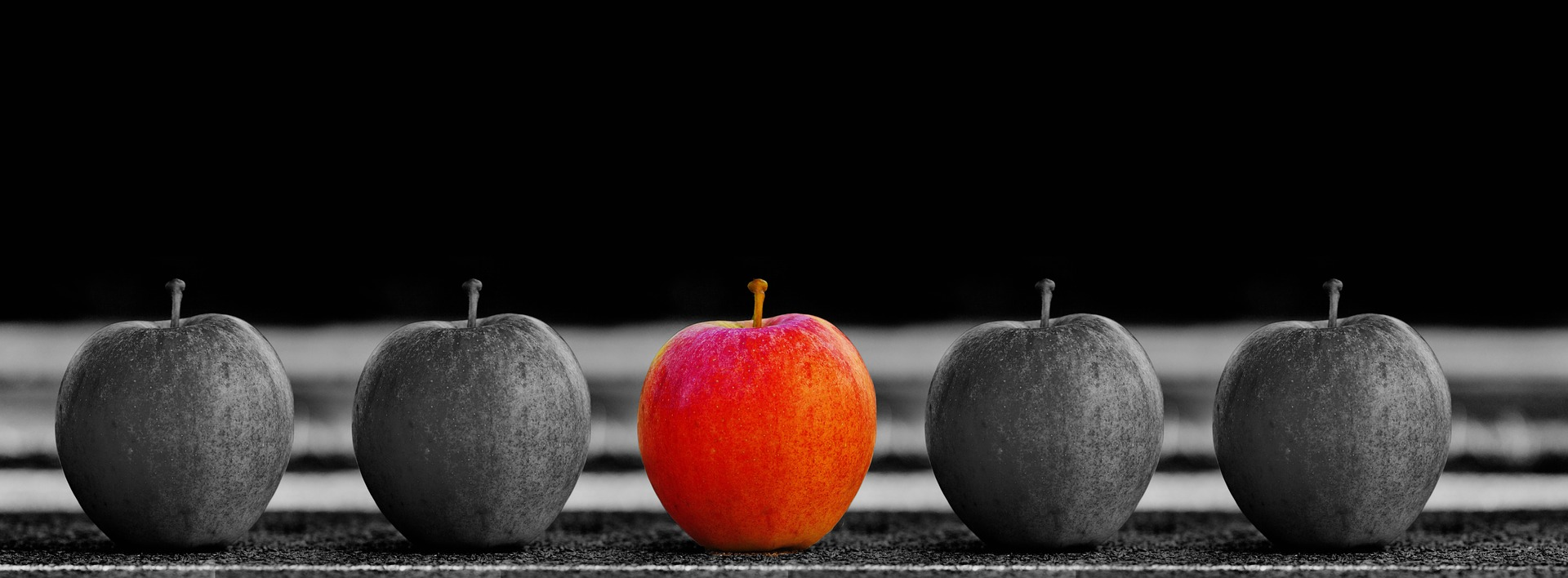 How To Get The Most from Advertising on Facebook - apples in a row